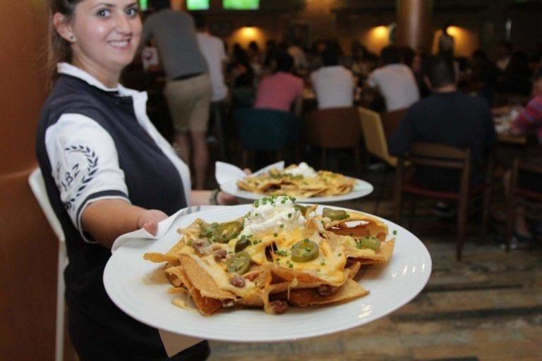 Restaurantes></noscript>Restaurantes Hard Rock-3rd Half Sports Bar-Ibiza