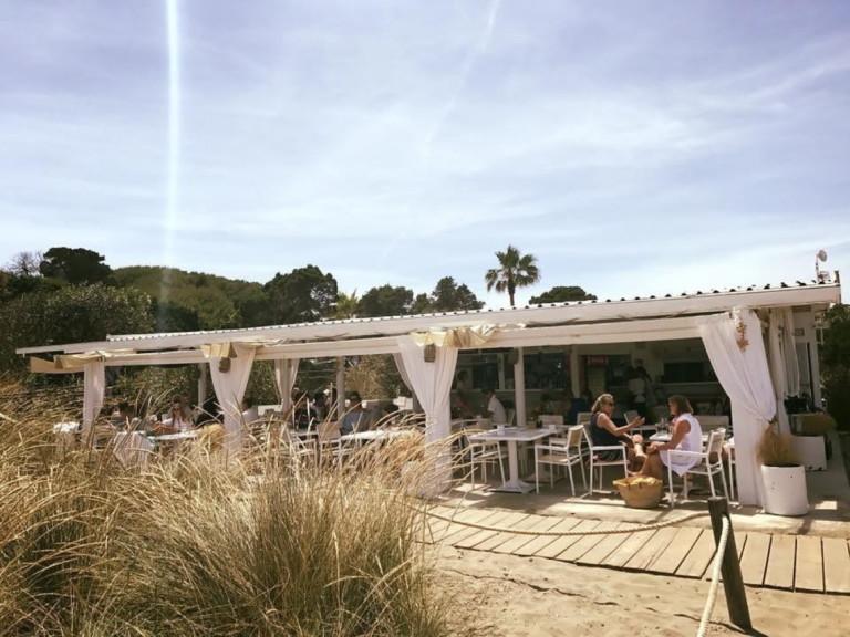 Atzaro Chiringuito Ibiza Cala Nova 2020 00