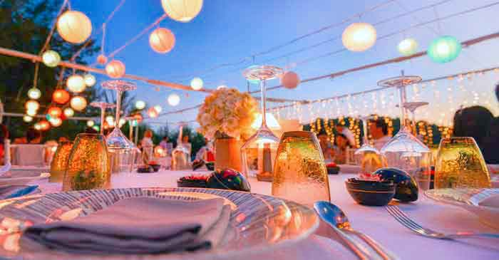 https://welcometoibiza.com/wp-content/uploads/Banquetes-en-Ibiza-Eventos-Ibiza.jpg