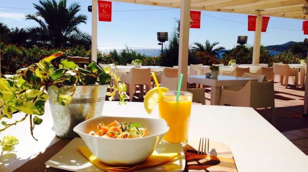 Bona-Onda-restaurant-platja-den-bossa-Eivissa-02