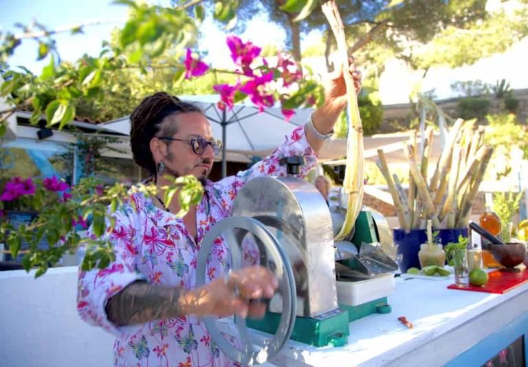 Musica dal vivo e cocktail d'autore ogni venerdì a Buganvilla Ibiza