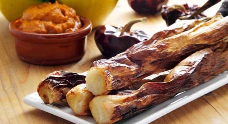 Weet jij waar je calçots kunt eten op Ibiza?