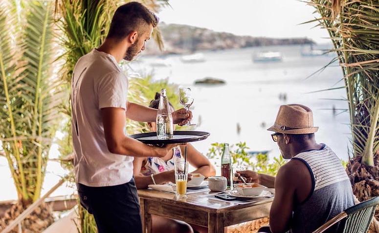 Can-Yuccas-ristorante-cala-tarida-ibiza3