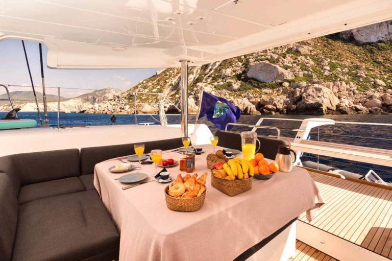 Dormir en un barco en Ibiza