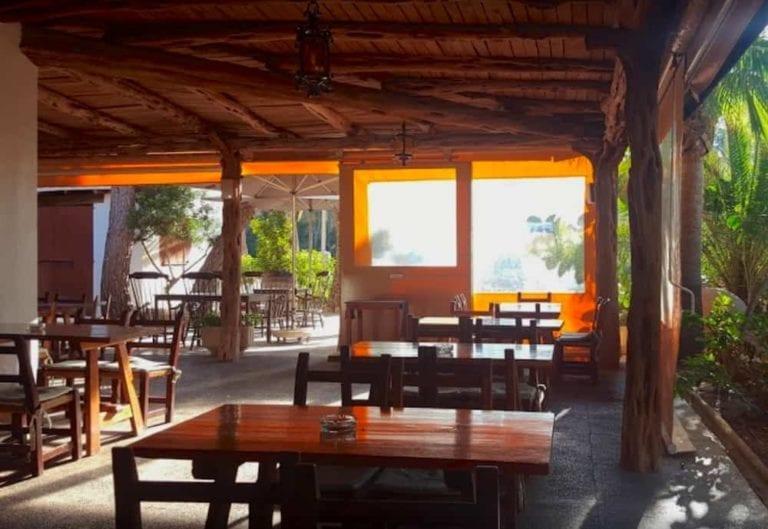 Es-Pins-Cala-Pada-Restaurante-Santa-Eulalia-00.jpg