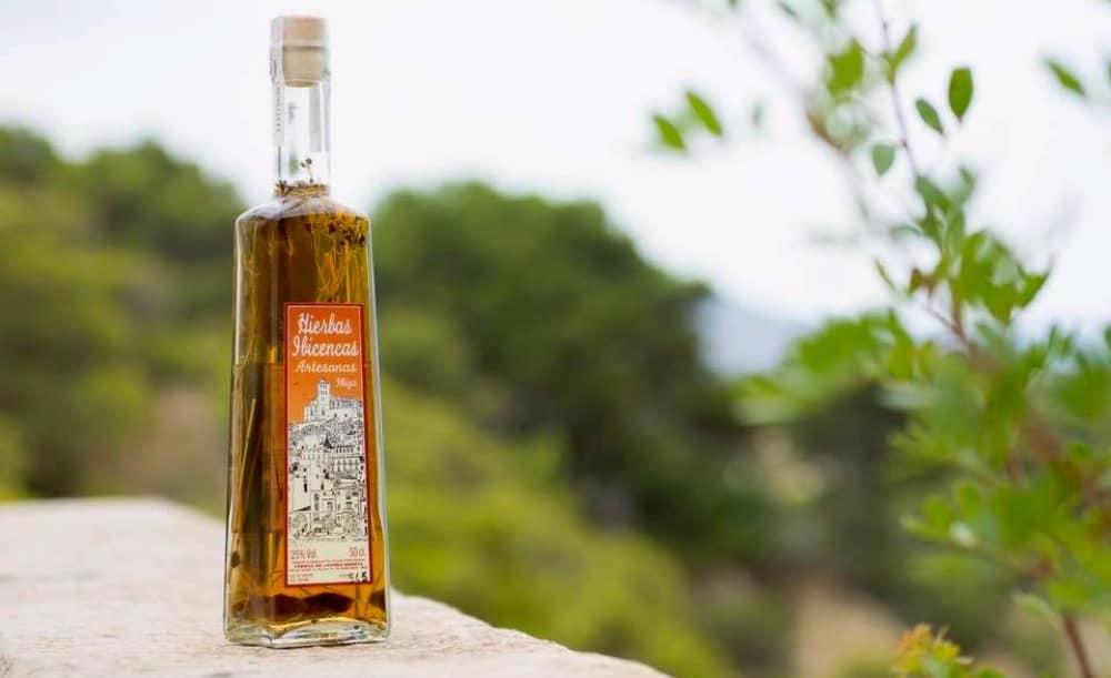 Herbes-eivissenques-licor-Eivissa-01