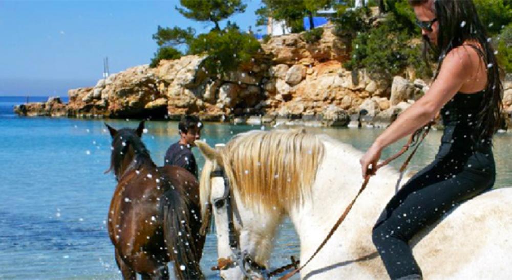 Montar-a-caballo-en-ibiza