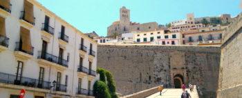 Portal-de-ses-Taules-Dalt-Vila-Ibiza-01-7.jpg