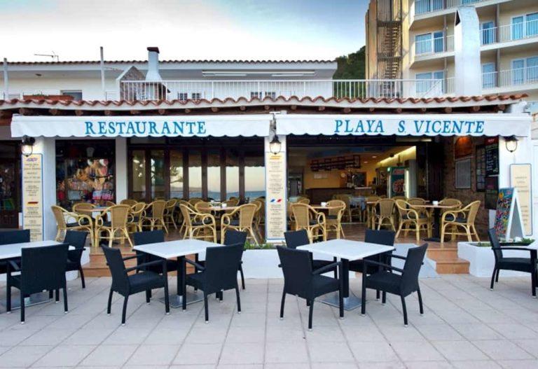 -Restaurante Playa San Vicente-Ibiza