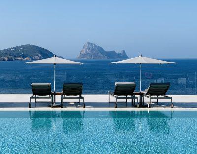 Infinity Pool Bar 7Pines Kempinski Ibiza 2020 02