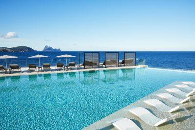 Infinity Pool Bar 7Pines Kempinski Ibiza 2020 04