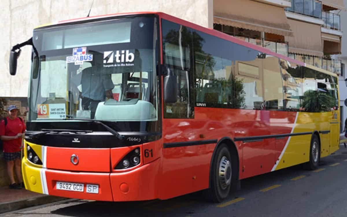 autobus-ibiza-welcometoibiza