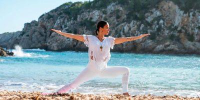 natuurlijke-yoga-san-juan-mireia-canalda-ibiza-2021-welcometoibiza