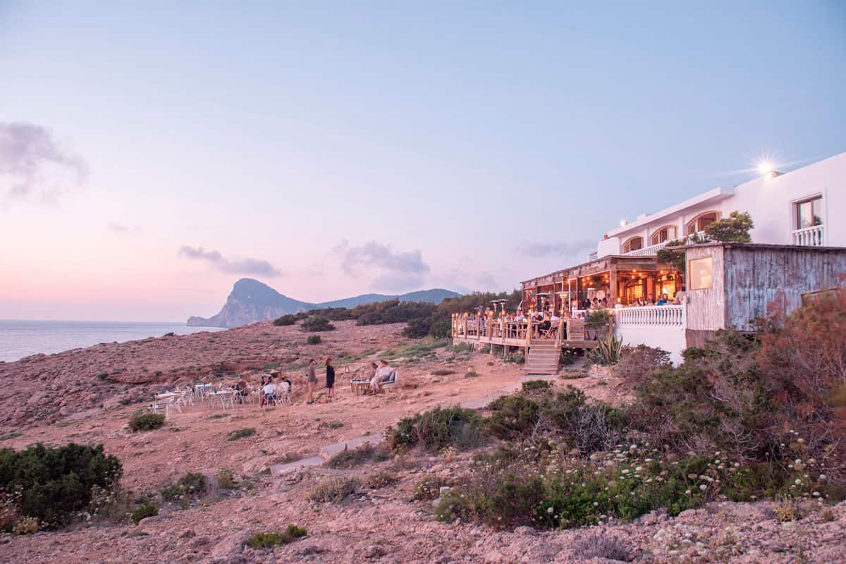 Wiedereröffnung-Hostal-la-Torre-Ibiza-2021-Welcometoibiza