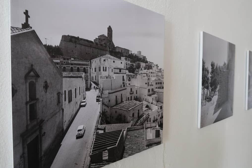 Fotoausstellung von Dalt Vila im Refektorium auf Ibiza