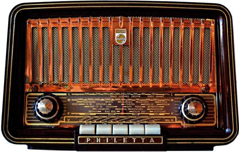 """San José in the history of radio"""