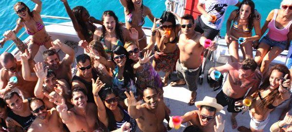 Die Partyboote von Ibiza werden reguliert