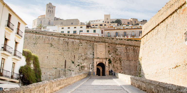 Guided tour to see all the essentials in Ibiza with Ibiza City Tours