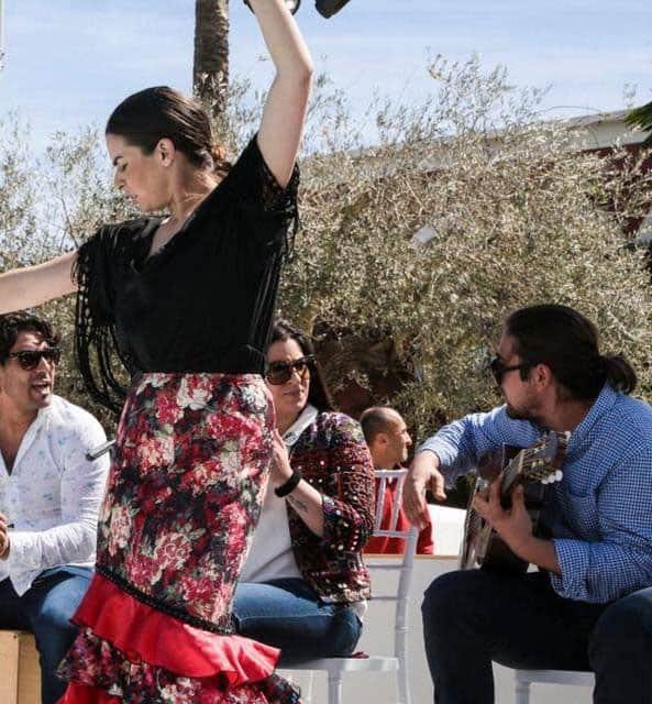 Déjeuner dominical et spectacle d'Ibossim Flamenco à Atzaró Ibiza