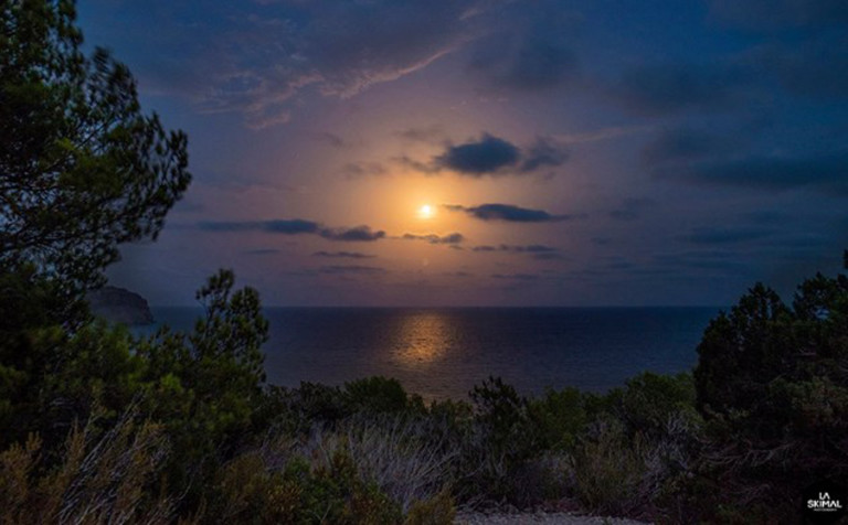 Затмение и красное полнолуние с Walking Ibiza