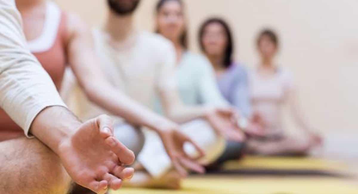 Méditation de groupe tous les vendredis à l'Espai Salut de la CIE