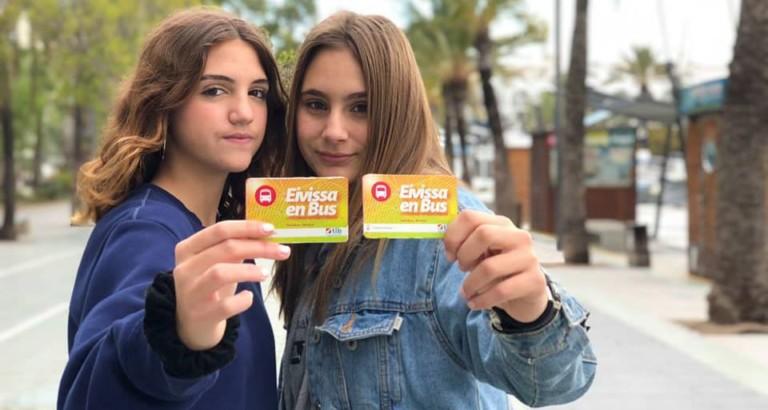 Minderjährige fahren in Ibiza kostenlos mit dem Bus