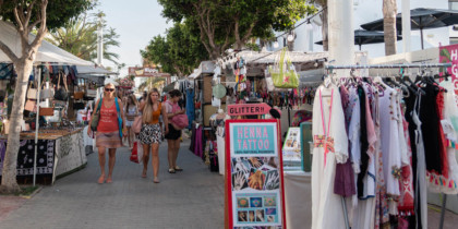 flea-market-hippy-market-playa-den-bossa-ibiza-welcometoibiza