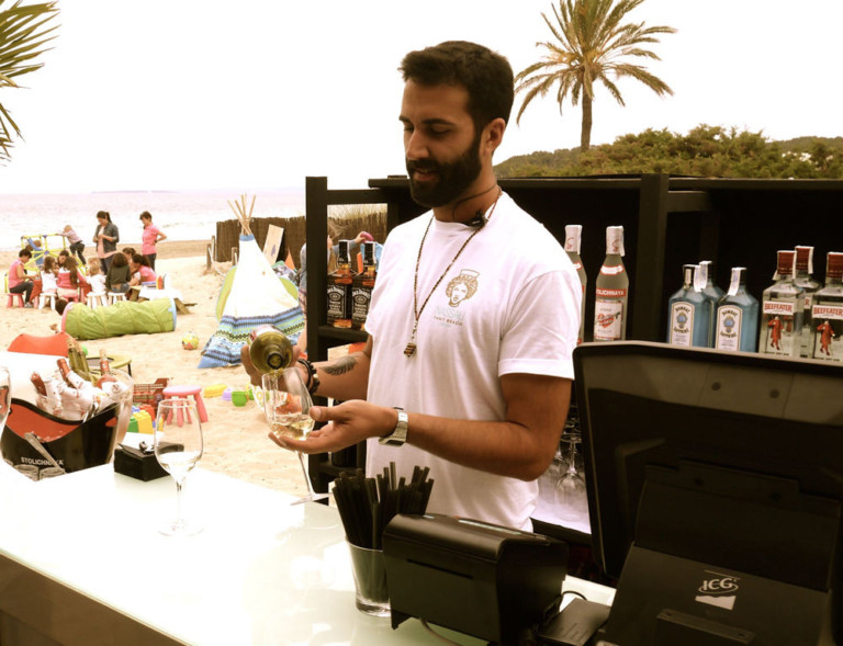 Great success of the opening day of Nassau Tanit Beach Ibiza
