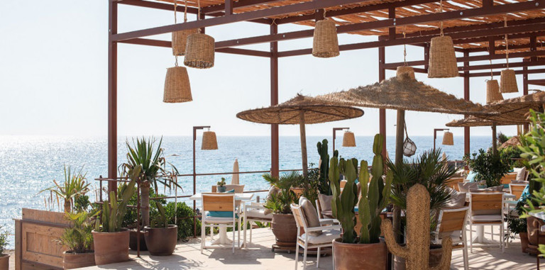 restaurant-atzaro-plage-ibiza-welcometoibiza