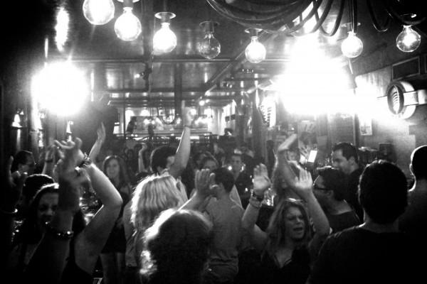 Elke avond onvergetelijke muzikale sessies in Petit Pereyra en IbizaClubHouse