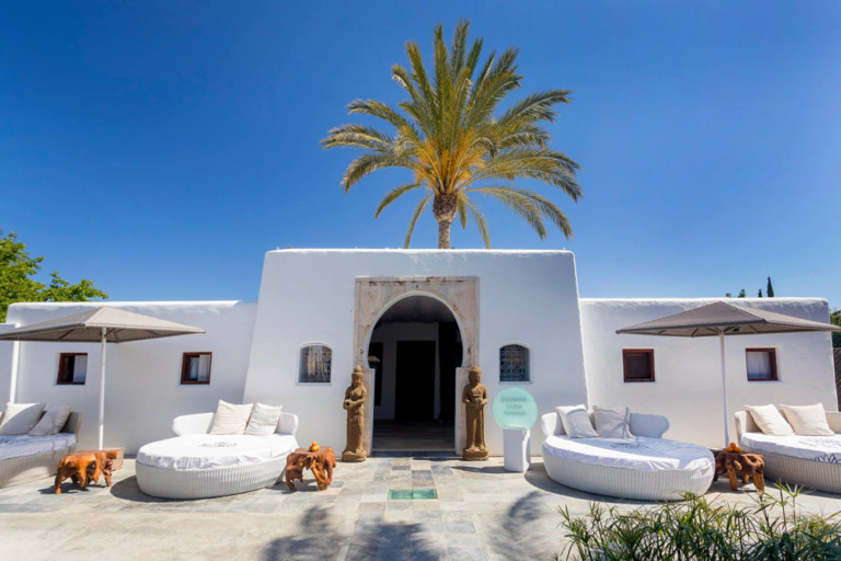 Job in Ibiza 2017: Atzaró Ibiza seeks receptionist / therapist