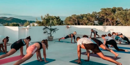 Sunset Yoga, tous les mardis à Las Mimosas Ibiza Lifestyle