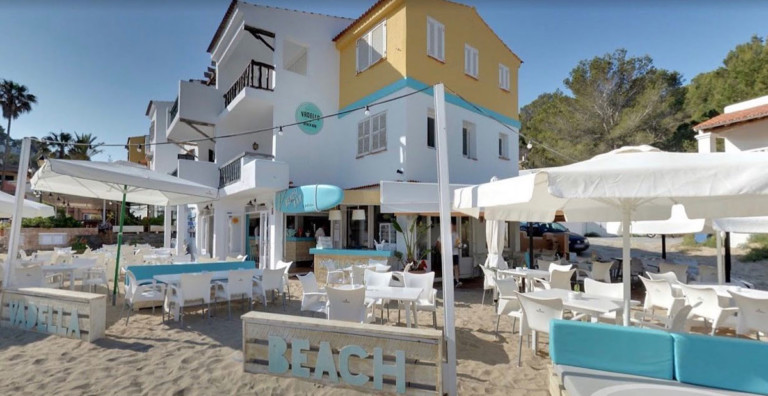 Vadella-beach-bar-Eivissa-by-jordi-and-coco-welcometoibiza
