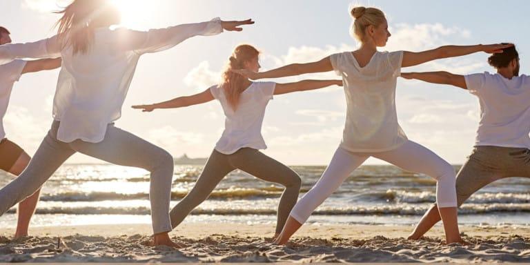 yoga-e-colazione-chiringuito-atzaro-ibiza-2021-welcometoibiza