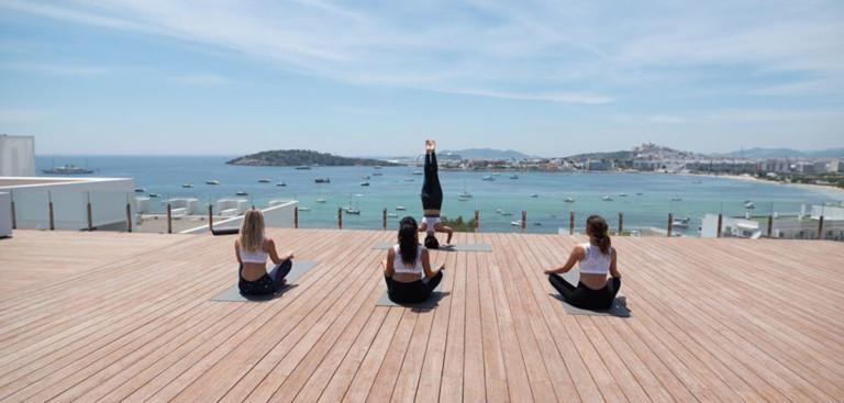 yoga-antiguo-od-talamanca-ibiza-welcometoibiza