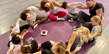 yoga-en-familia-hostal-la-torre-ibiza-2020-welcometoibiza
