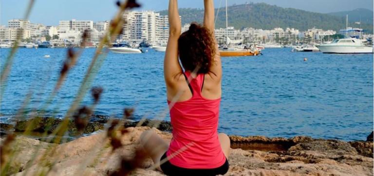 Outdoor Yoga jeden Sonntag in Sa Punta des Molí