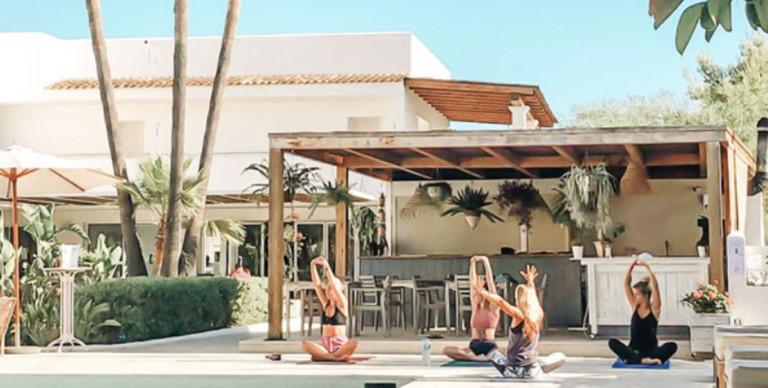 yoga-inizio-il brunch-las-Mimosas-ibiza-2020-welcometoibiza